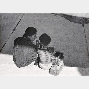 Manuel Alvarez Bravo (Mexican, 1902-2002)      La Mama del Bolero y el Bolero (The Mother of the Shoeshine Boy and the Shoeshine   Boy