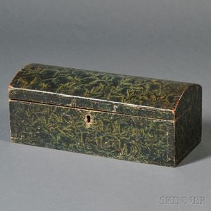 Putty-decorated Dome-top Box