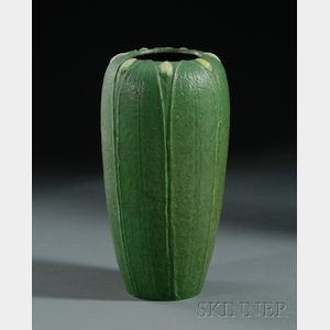 Grueby Faience Co. Two-Color Pottery Vase