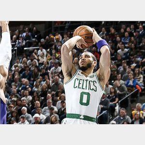 2019-2020 Boston Celtics Team Autographed Basketball.
