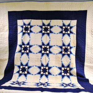 """Pieced Cotton """"Feathered Star"""" Quilt"""