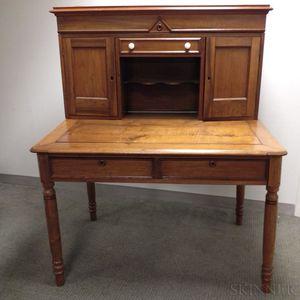 Late Federal Walnut Plantation Desk