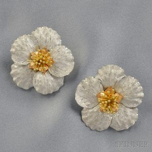 "18kt Gold ""Magnolia"" Earclips, Buccellati"