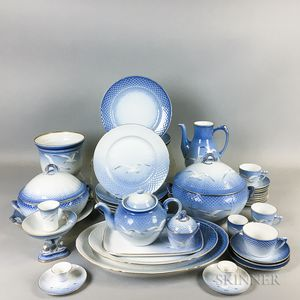 Approximately Eighty-six Pieces of Bing & Grondahl Seagull-decorated Porcelain Tableware.