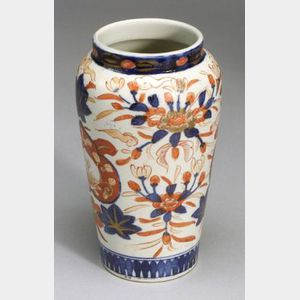 Porcelain Vase, Japan, late 19th century, Imari ware with a floral design, ht. 8 in.