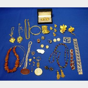 Miscellaneous Collection of Jewelry