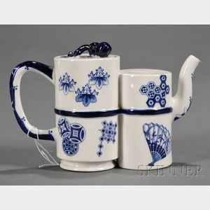 Royal Worcester Porcelain Chinese-style Teapot and Cover