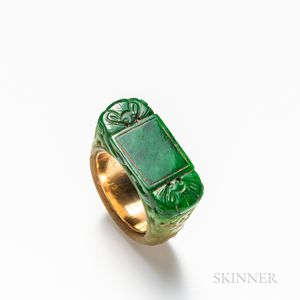 14kt Gold and Carved Jadeite Ring