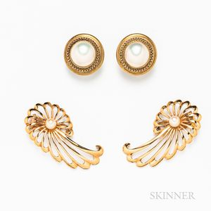 Pair of Retro 18kt Gold and Cultured Pearl Earclips and a Pair of 14kt Gold and Mabe Pearl Earrings
