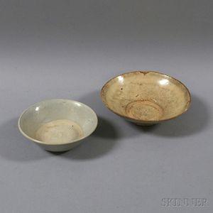 Plain White-glazed Dish and Ding Bowl