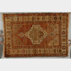 Bahkshaish Carpet