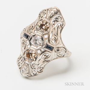 Art Deco 18kt White Gold and Diamond Three-stone Ring