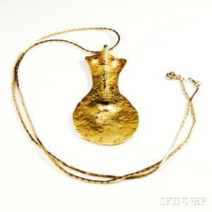14kt Gold Shield-form Pendant