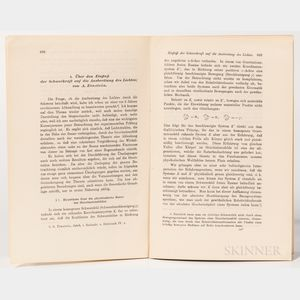 Einstein, Albert (1879-1955) Uber den Einfluss der Schwerdraft auf die Ausbreitung des Lichtes.