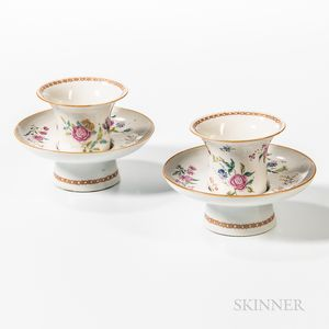 Pair of Export Porcelain Trembleuse