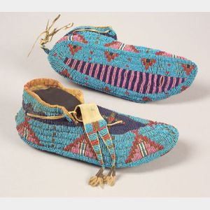 Central Plains Fully Beaded Hide Moccasins