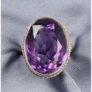 Art Deco 18kt White Gold and Amethyst Ring