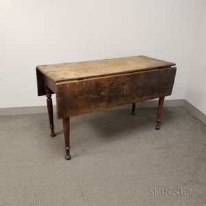 Federal Red-stained Maple and Pine Drop-leaf Table