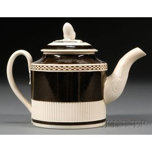 Mochaware Covered Teapot
