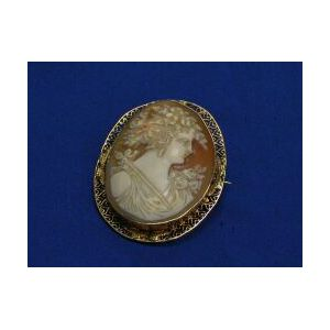 Gold Mounted Shell Cameo Brooch.