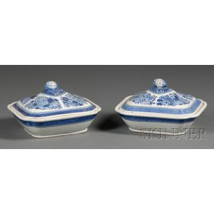 Pair of Rectangular Fitzhugh Covered Porcelain Serving Dishes