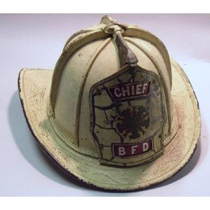 Cairns (New York) White Leather Fire Helmet