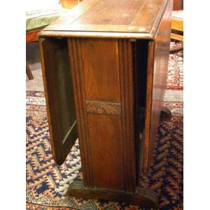 French Art Deco Oak Drop-leaf Table.