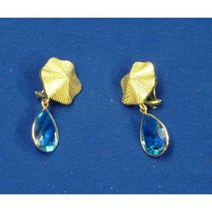 18kt Gold and Blue Topaz Earrings