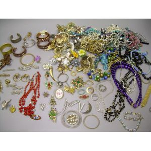 Miscellaneous Lot of Costume Brooches and Necklaces.