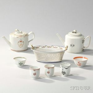 Eight Pieces of Export Porcelain