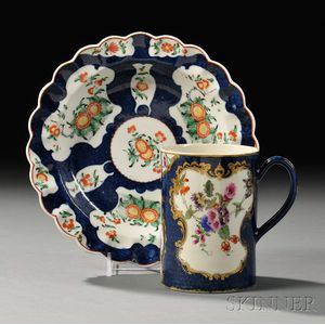 Two Worcester Porcelain Scale Blue Floral-decorated Items