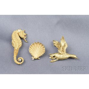 Three 18kt Gold Brooches
