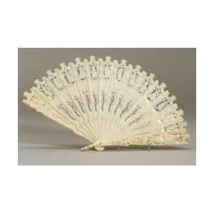 Continental Carved Ivory Lady's Fan
