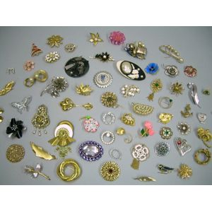 Lot of Assorted Costume Brooches and Pins.