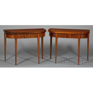 Pair of Federal Mahogany and Mahogany Veneer Card Tables