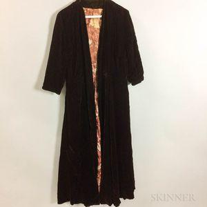 Silk Velvet Woman