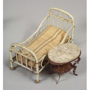 Marklin Doll House Bed and a Table