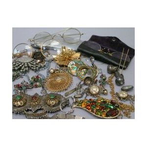 Miscellaneous Jewelry, Desk and Novelty Items.