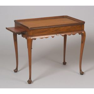 Kittinger/Williamsburg Restoration Queen Anne Style Carved Mahogany Tea Table