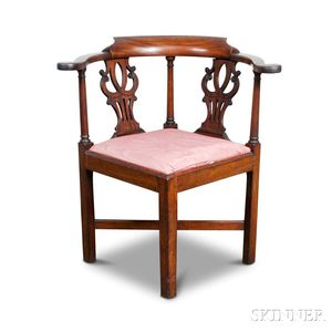 Chippendale-style Carved Mahogany Corner Chair