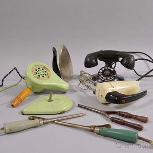 Group of Vintage Electronics.     Estimate $20-200