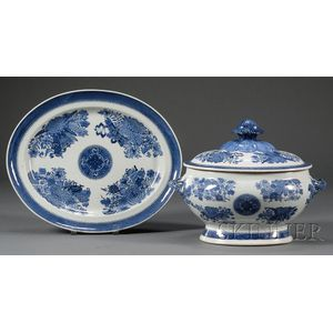 Chinese Export Porcelain Fitzhugh Pattern Covered Oval Tureen and Platter