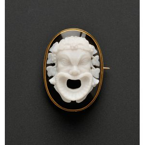 Antique 14kt Gold and Agate Cameo Brooch