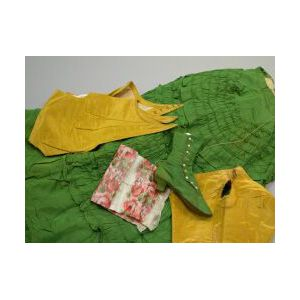 Group European Women's Clothing and Outfits