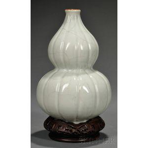 Celadon Guan-type Vase