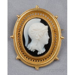 Etruscan Revival 18kt Gold and Onyx Cameo Brooch
