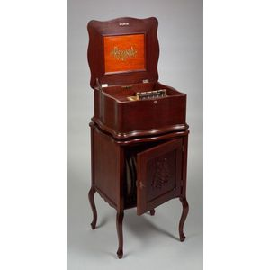 Serpentine Regina 15 1/2-inch Disc Musical Box on Stand