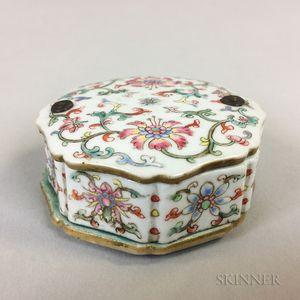 Famille Rose Porcelain Inkwell