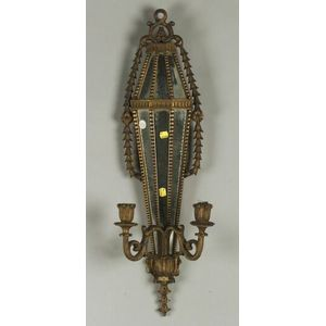 Continental Giltwood Classical Revival Two-Light Girandole