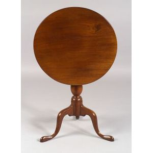 Chippendale Mahogany Tilt-top Table